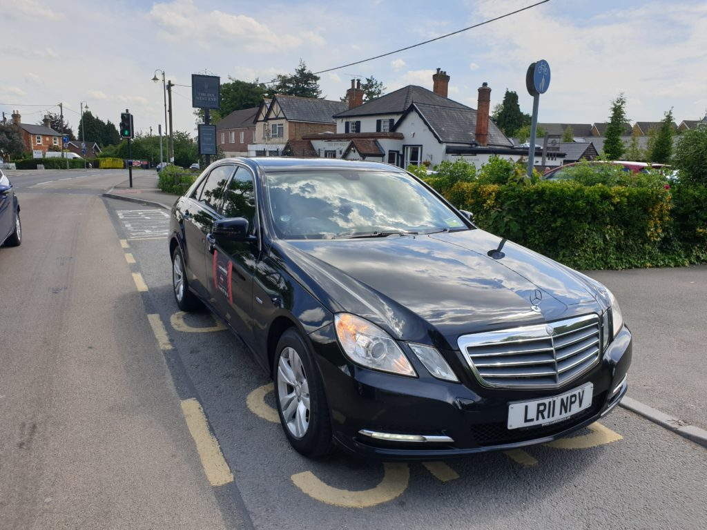 Pro-Cars-Woking-Taxi-West-End