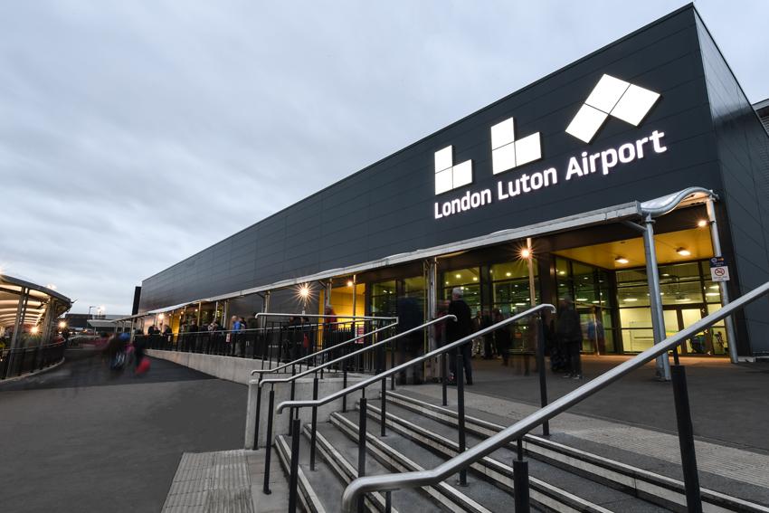 Woking to Luton - Pro Cars Woking